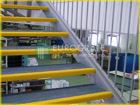 Rutschsichere Stufenabdeckungen für den Schutz von Personen
